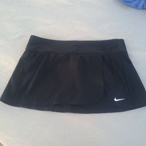 Nike skirt. New without tags
